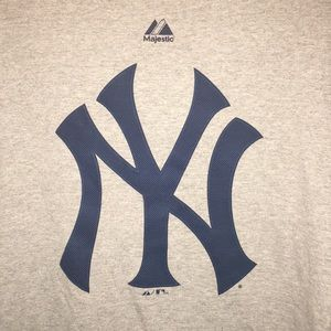 New York Yankees Branded Grey Primary Logo T-shirt